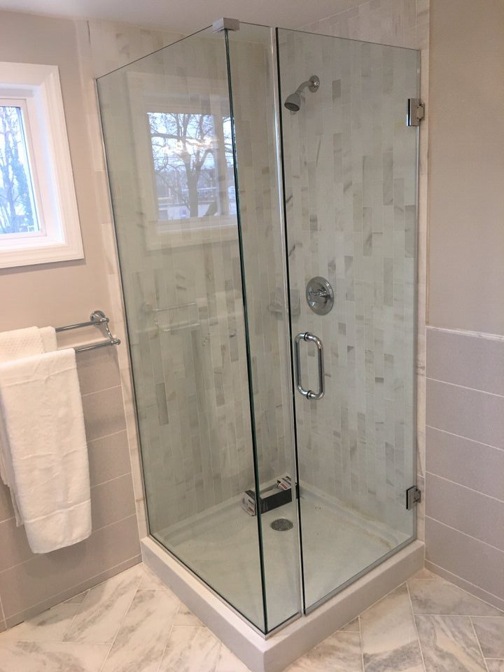 This Unit Has A Door Panel And Return Available In Frameless Style With Glass To Hinges Wall Clamps Or Semi